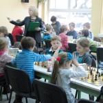 """Zacięta """"walka"""" na wszystkich szachownicach"""
